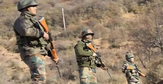 Watch: Indian Army Soldiers Undergo Rigorous Training Near LAC | Videos