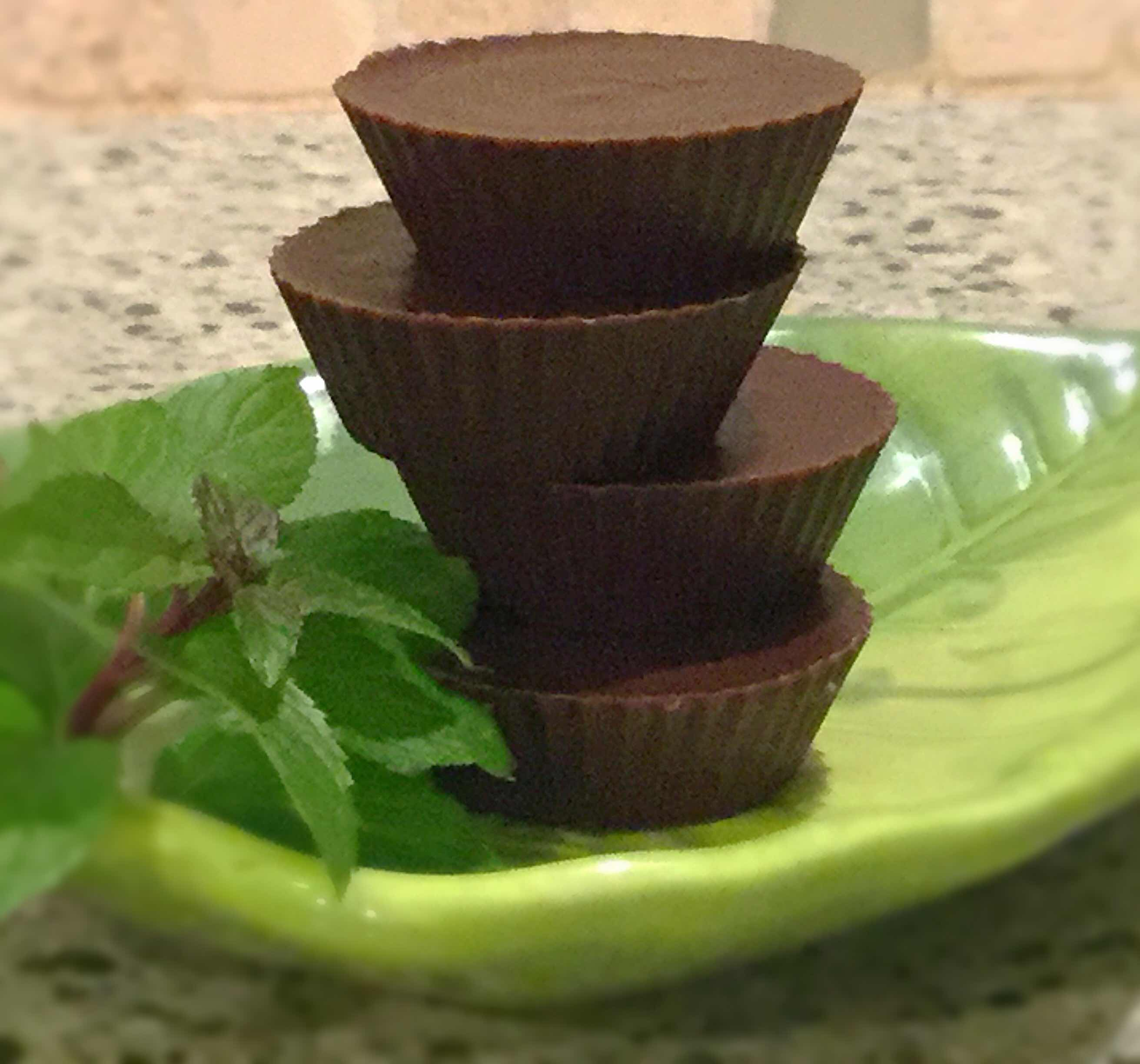 Cool Chocolate Peppermint Fat Bombs