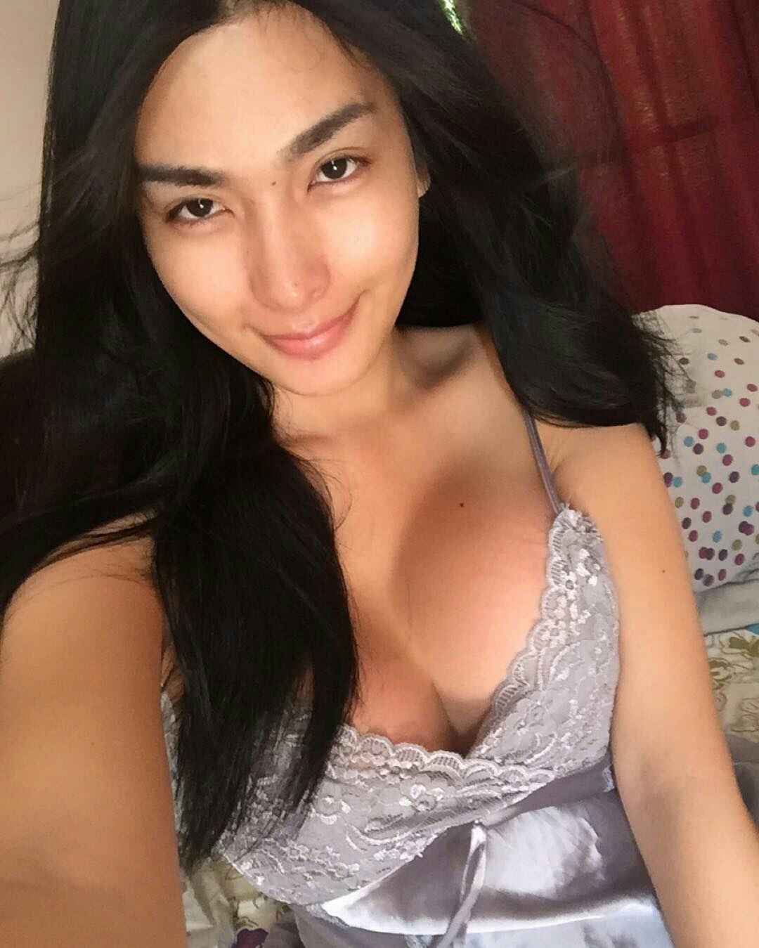 Filipina older woman seductive pictures
