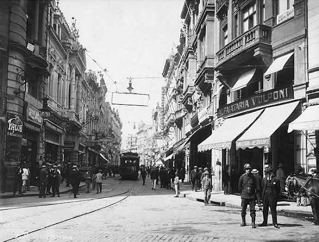 Rua XV de Novembro em 1920