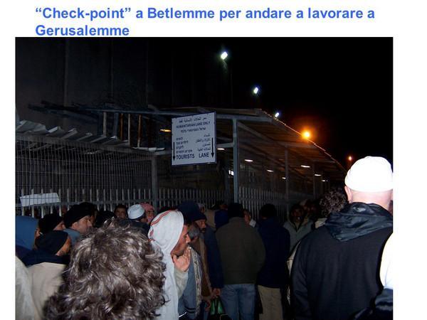 Gerusalemme, coda al check-point dalle 3 del mattino