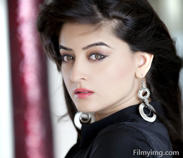 Mahi Vij actress Profile |Hot Picture