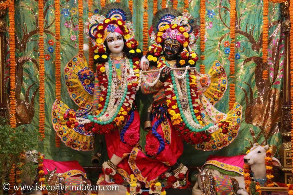ISKCON Vrindavan Sringar Deity Darshan 20 Dec 2015 (9)