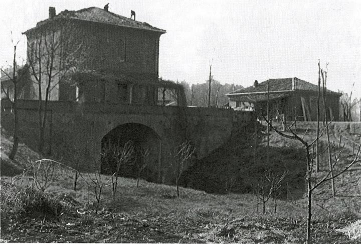 Il complesso della chiavica in occasione della sostituzione del manto di copertura della casa (metà 900)