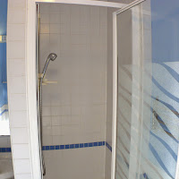 Room H-shower