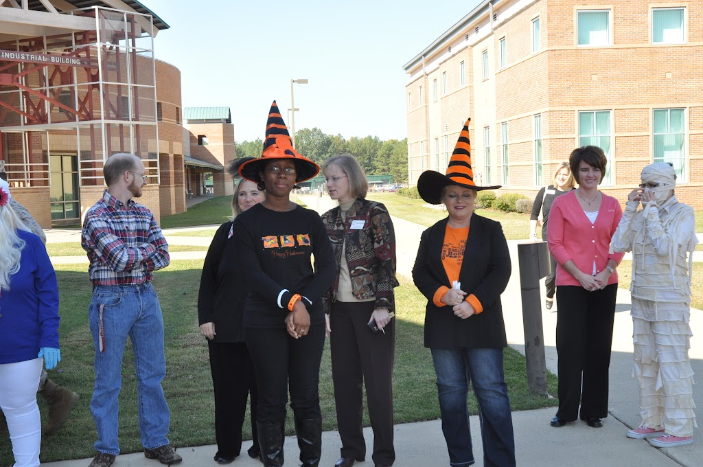 Halloween Costume Contest 2012 - DSC_0195.JPG