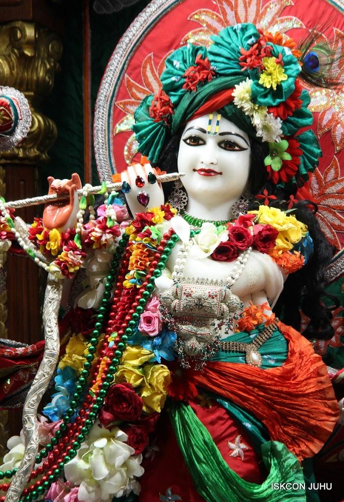ISKCON Juhu Sringar Deity Darshan on 28th Aug 2016 (47)