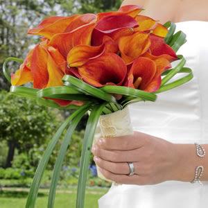 Photo: Mini Calla Bridal Bouquet http://bit.ly/QDFT7M