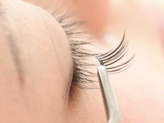 Lashify eyelash extensions - Benefits that a women can enjoy with extensions!