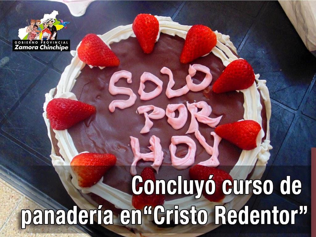 """CONCLUYÓ CURSO DE PANADERÍA EN """"CRISTO REDENTOR"""""""