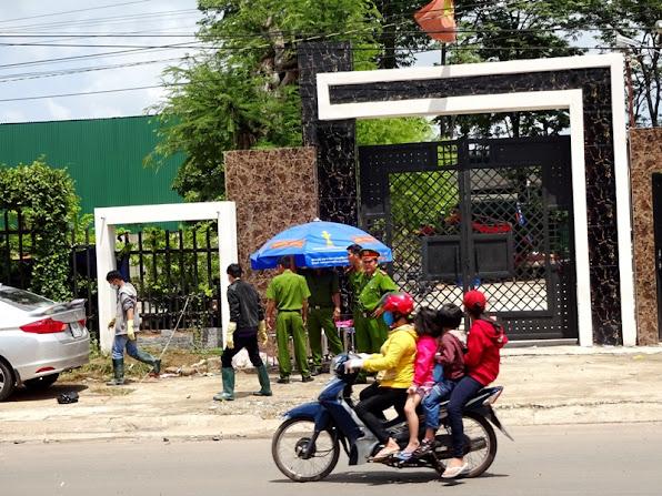 Thieu tuong Ho Sy Tien tham sat gay an