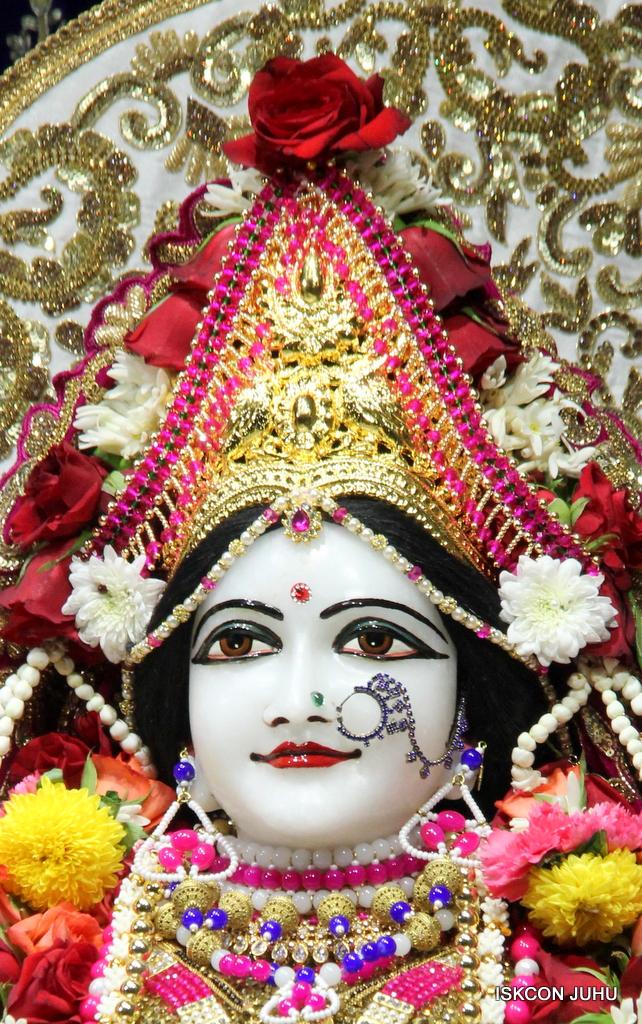 ISKCON Juhu Sringar Deity Darshan on 11th Sep 2016 (42)