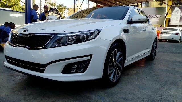 Carro - KIA K5 2015. RD$750,000.