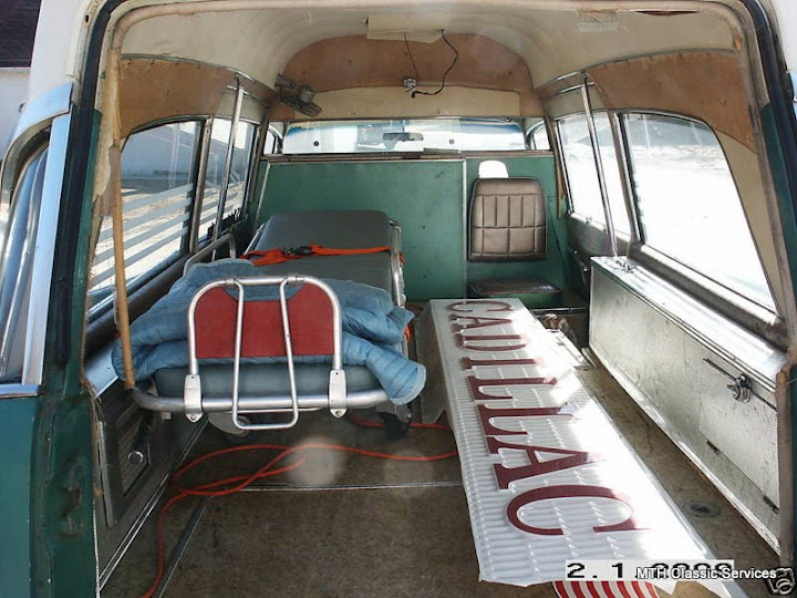 Ambulances, Hearses & Flowercars - b968_3.jpg