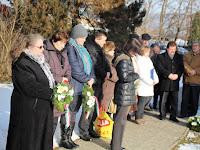 04 A megemlékezők egy része Szklabonyán .jpg