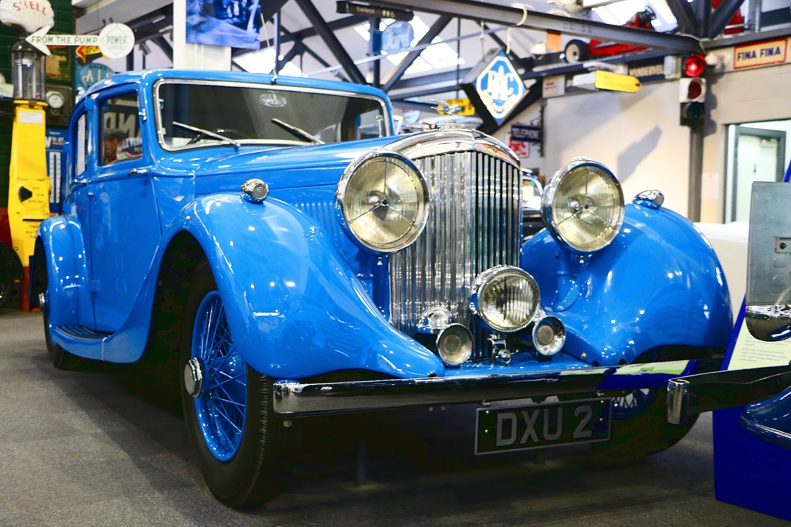 Donald Campbells 1937 Bentley 4 and a Quarter.jpg
