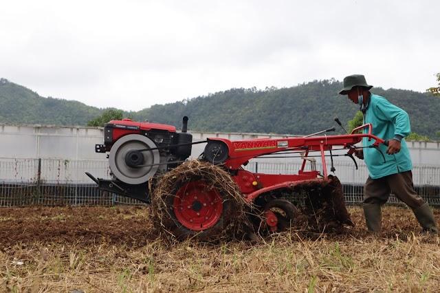 Kembangkan Desa Mitra, SMK-PPN Banjarbaru Gelar Pelatihan Alsintan