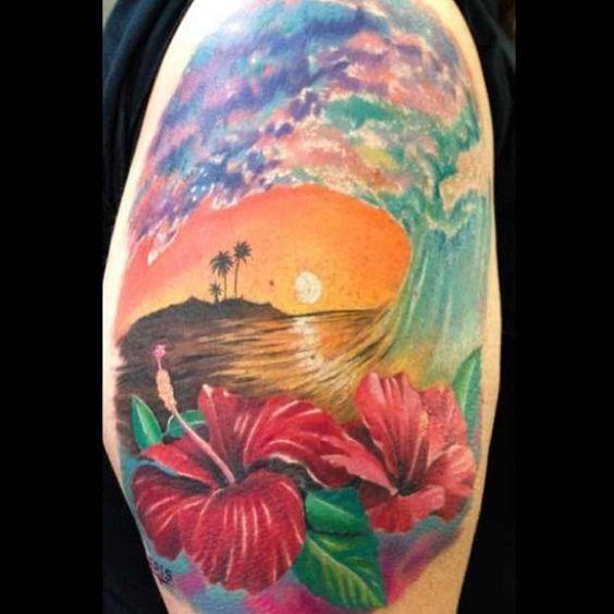 fantasia_de_hibisco_ondas_braço_de_tatuagem