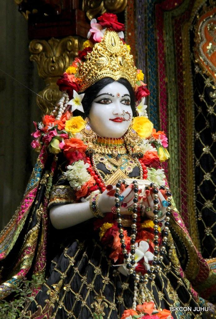 ISKCON Juhu Sringar Deity Darshan 09 Apr 16 (19)