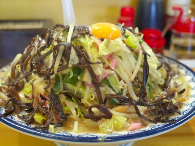 野菜、キクラゲがテンコ盛りの特製両方大盛り