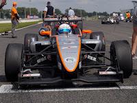 FIA CEZ D2 - A rajtrácson.JPG