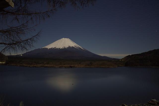 精進湖 満月の夜