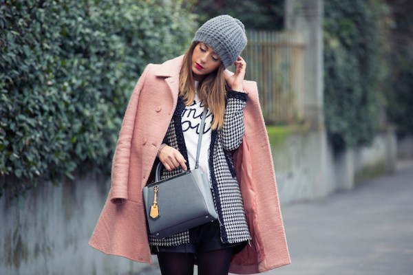 photo fendi-2jour-cappotto-rosa-cipria-moschino-fashion-blogger-italia-outfit-of-the-day-A1016-890x593_zpsxw5jsstb.jpg