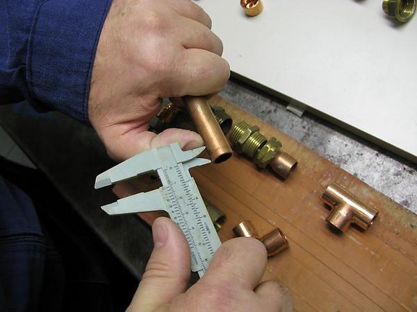 Tutorial b sico de fontaner a uni n de tubos de cobre for Como soldar cobre