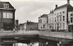 Middelharnis. Kade - rechts Slavenburg's Bank. Ongelopen.