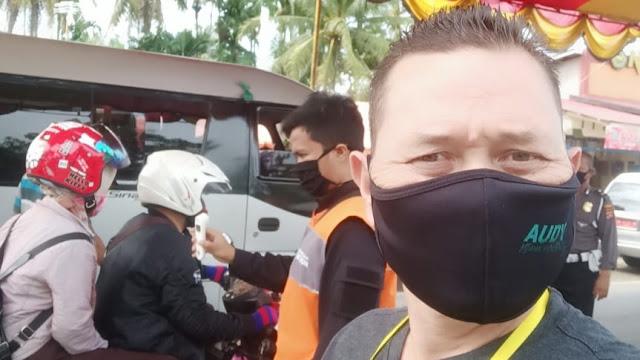 Foto: Posko Covid-19 di Lubuk Buaya. Posko Covid-19 di Daerah Sepi Pemeriksaan, Perbatasan Padang Diperiksa Sangat Ketat.
