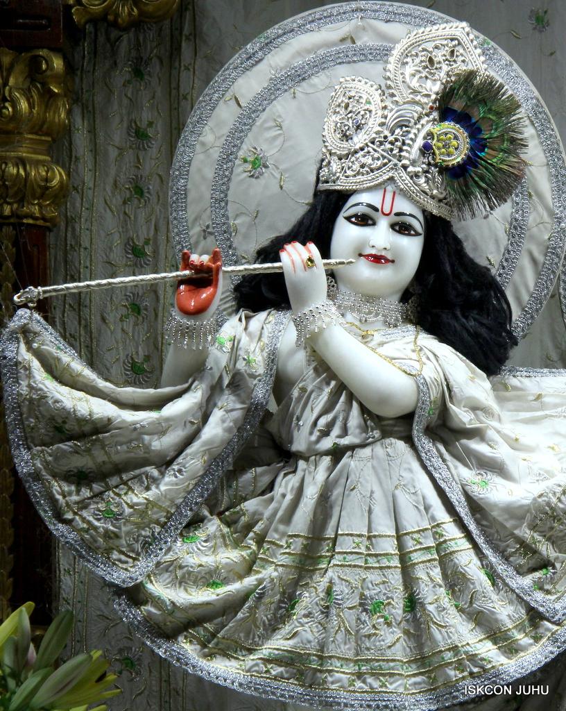 ISKCON Juhu Mangal Deity Darshan on 21st Oct 2016 (25)