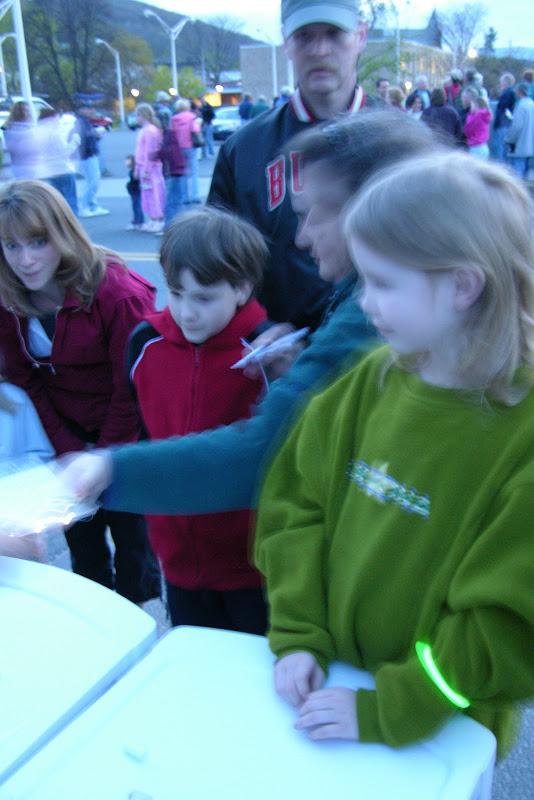 Wishing Light Bridge - 03show_kids02.JPG