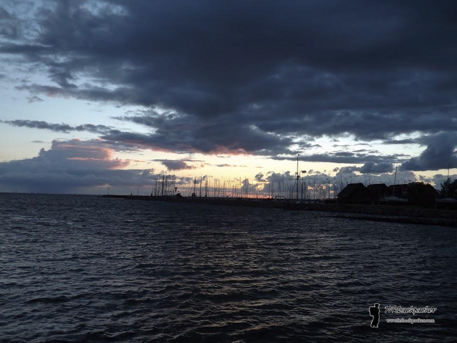 Unatoč nestabilnosti oceanske klime, Malmo je popularno jedriličarsko polazište i odredište. Marina u novoj četvrti spremno čuva plovila dok dolazi oluja.