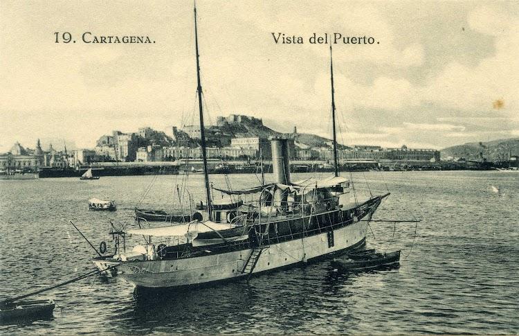 El vapor de la C.A.T. SALVADOR en Cartagena. Postal. Museu Maritim de Barcelona. Centre de Documentacio.jpg