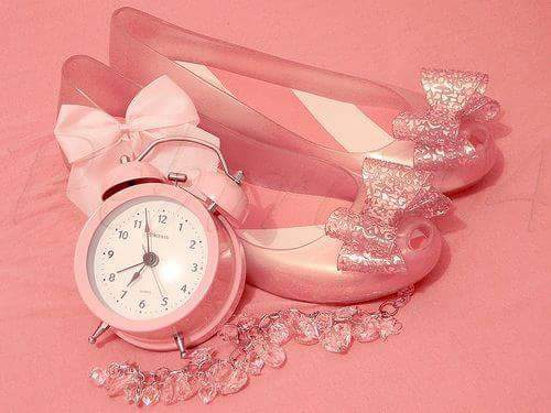 Pink Girl Watch Photos