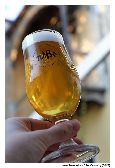[pivo%5B3%5D]