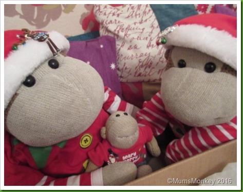 Build a bear small fry christmas top