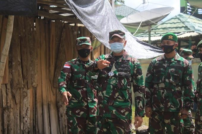 Satgas Yonif RK 744/SYB Terima Kunjungan Yonif 742/SWY Dalam Rangka Tinjau Medan Jelang Purna Tugas