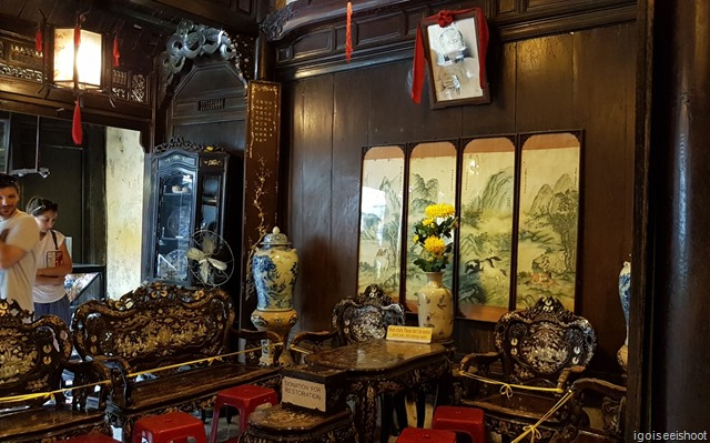 An exquisite set of antique furniture in the Tan Ky House. We are not allow edto touch these prized masterpieces.
