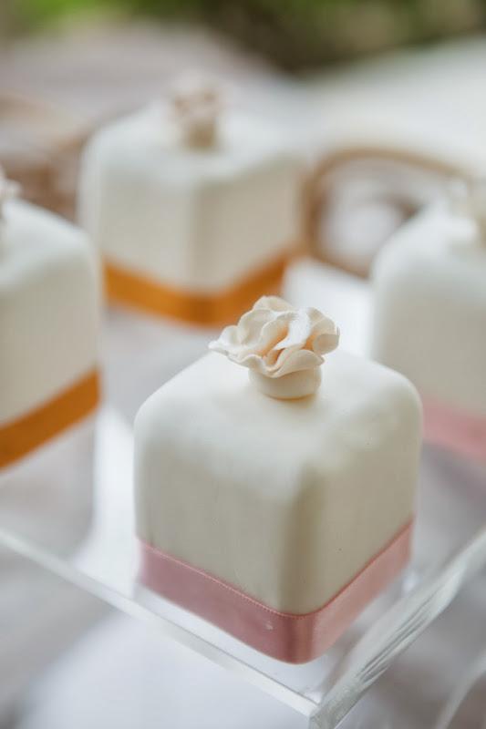 El Dorado Royale by Karisma - pg_mini_cakes.jpg