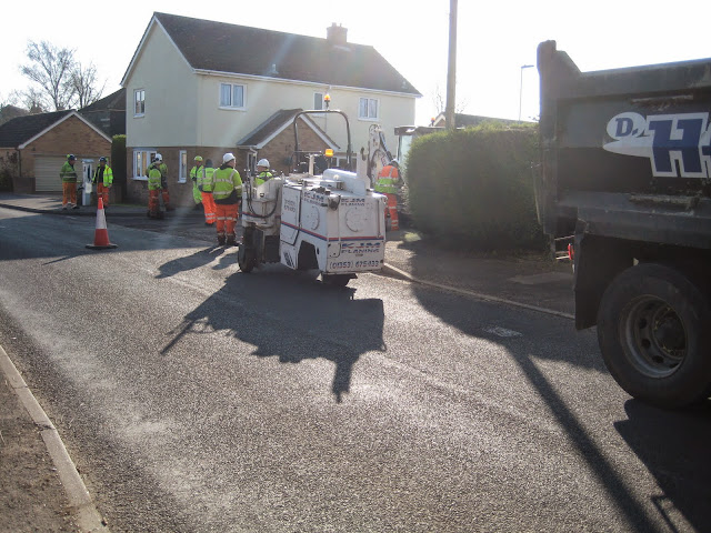 St Johns Close Resurfacing 23-03-2015. Pictures by Chris Cannon - IMG_1060.JPG