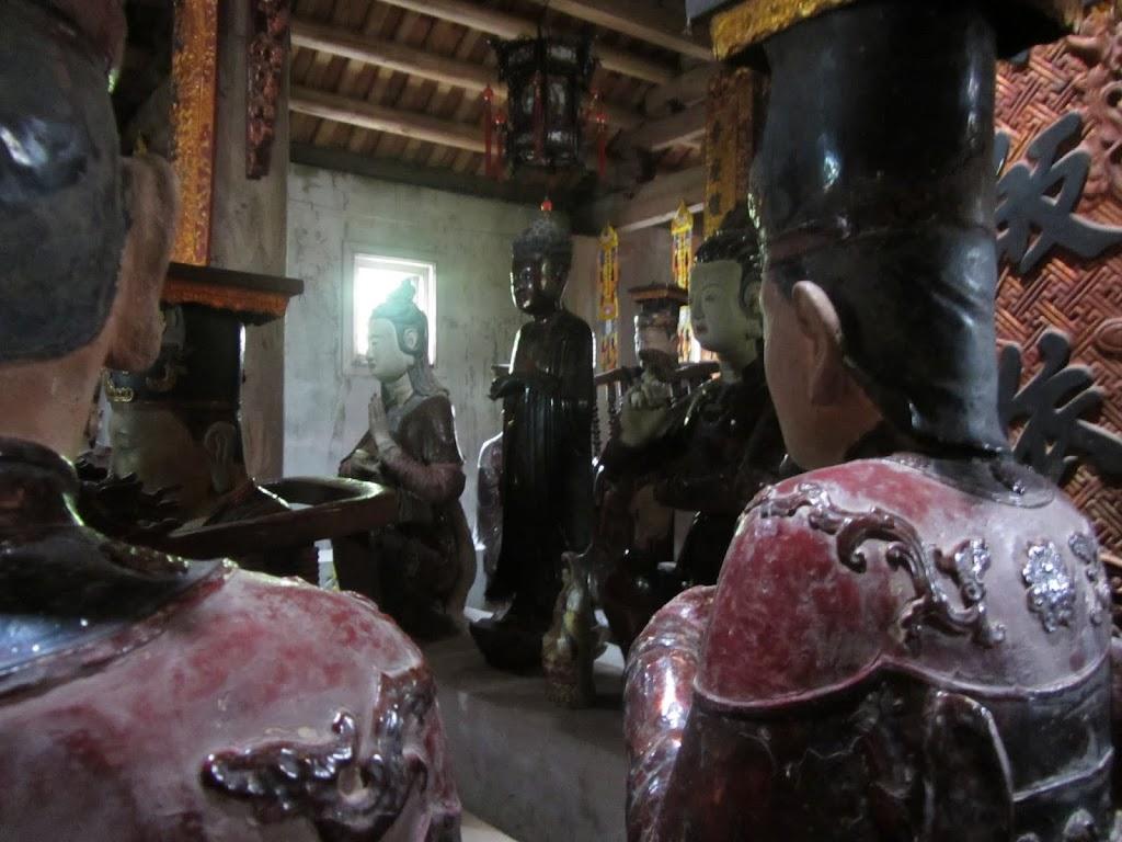 0015Ngo_Quyen_Temple