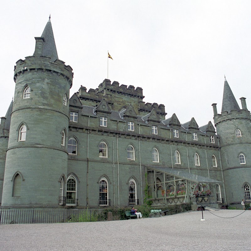 Weedons_12 Invararay Castle.jpg