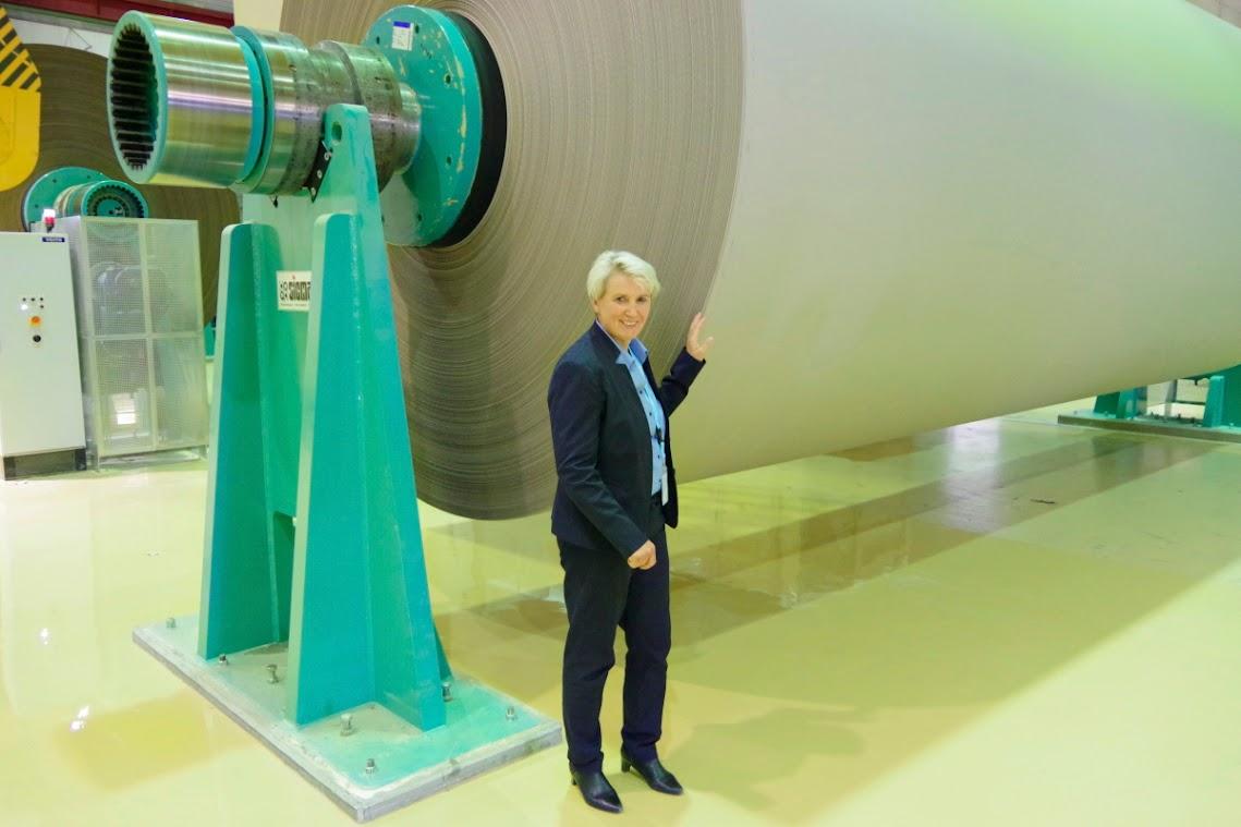 Uckermark-Landrätin Karina Dörk. Sie besichtigte das Leipa-Firmengelände. Foto ©asc