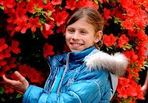 Потапова Ника и цветы.jpg