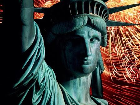 Thưởng thức hình ảnh tượng nữ thần tự do đẹp tinh tế kỳ vĩ biểu tượng của nước Mỹ hiện đại