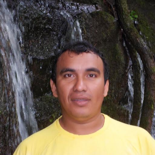 Julio Quiroz Photo 28