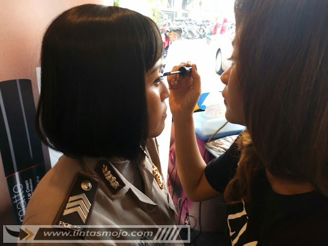 ZIA Kosmetik tampak hadir di pembukaan Kejuaraan Daerah Karate Inkanas Se-Jawa Timur