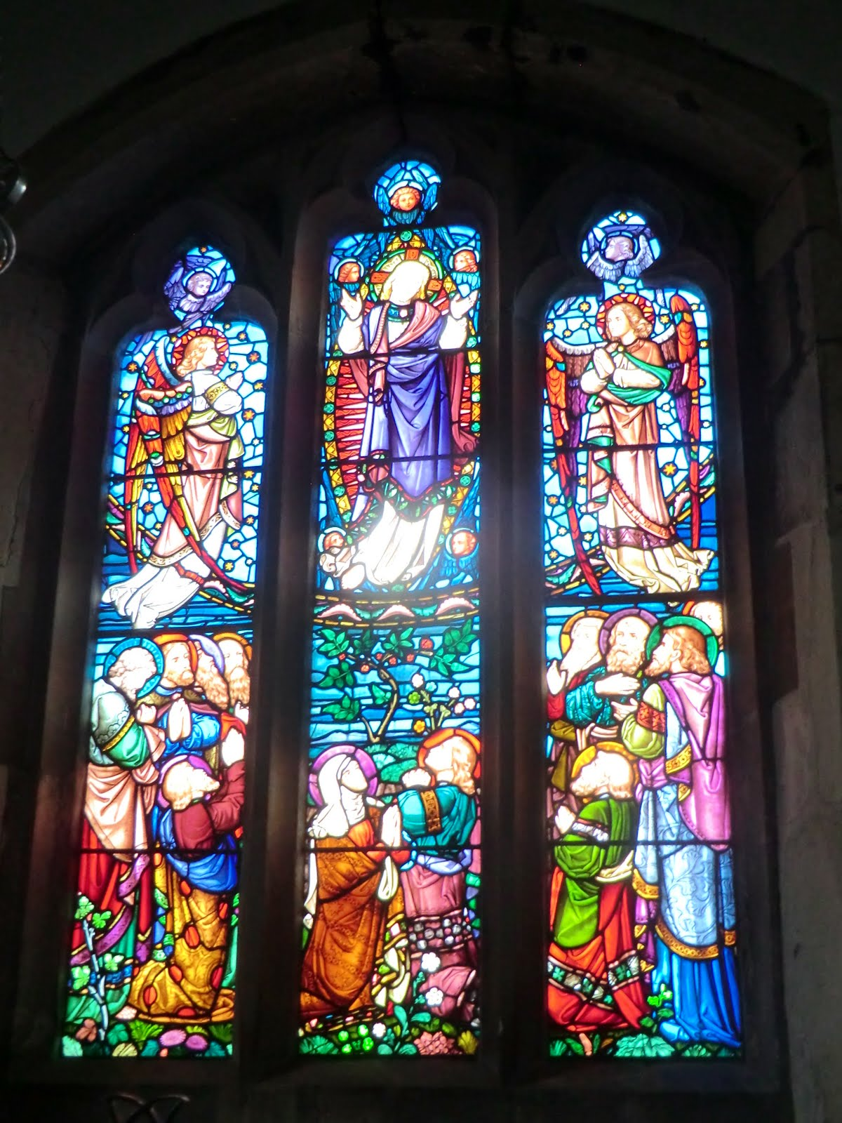 CIMG9869 Stained glass window in Cuxton church