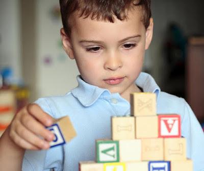 Mengenal Autisme pada Anak